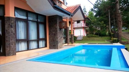 Villa Pitaloka 5 Kamar kampung daun