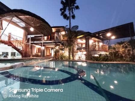 sewa villa lembang kolam renang di Lembang Bandung