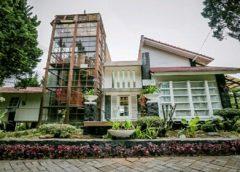 Villa White  Tower 4 Kamar Istana Bunga
